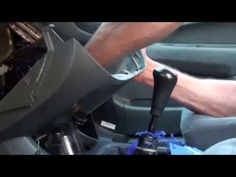 how to remove a stereo from a 99 Honda Civic EX
