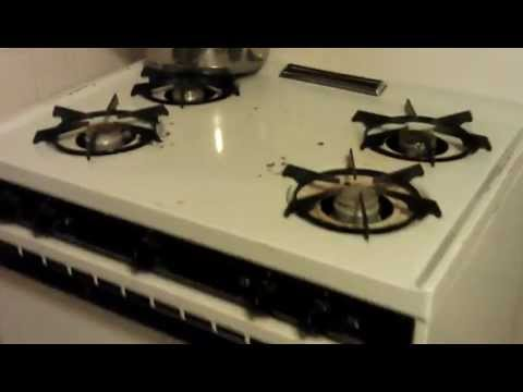 How to Turn On Gas Stove
