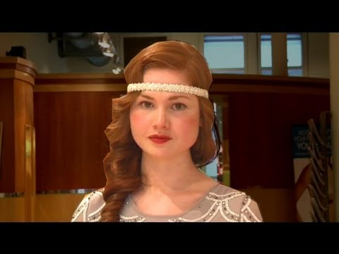 Get Great Gatsby hair: 1920s wave and headband