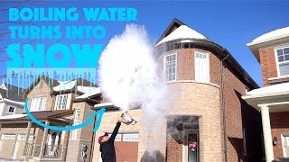 BOILING WATER BECOMES SNOW IN CANADA (experiment)