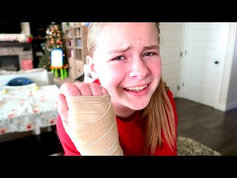 She Broke Her Wrist And Didn't Tell Her Parents 😱