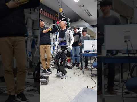 Hanson robotics humanoid robot sophia - walking controller test