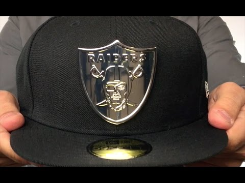 Raiders 'SILVER METAL-BADGE' Black Fitted Hat by New Era