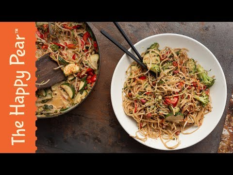 Sweet Peanut Coconut Noodle Curry | EASY VEGAN DINNER
