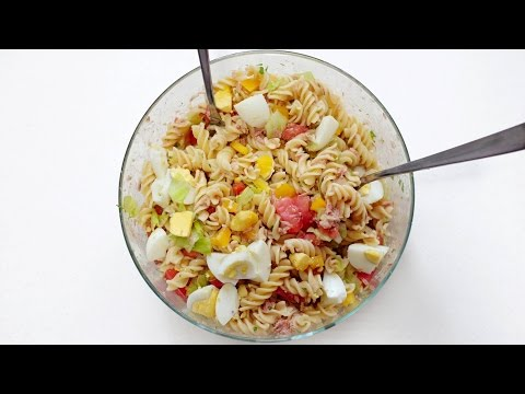 Pasta salad with eggs