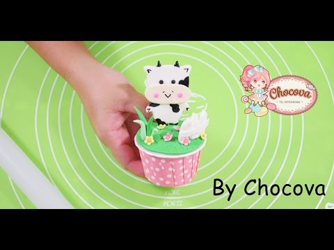 How to make Cute Cow Fondant Cake topper.สอนทำน้ำตาลรูปวัวแต่งคัพเค้ก
