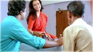 ഞാൻ ചെയ്ത് വന്ന ചെറിയൊരു ഉപകാരമാണിത്..! | Amala , Suresh Gopi - Ente Sooryaputhrikku