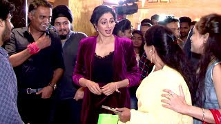 Sridevi Goes INSIDE Theatre To Celebrate Success Of Her Movie MOM With Fans
