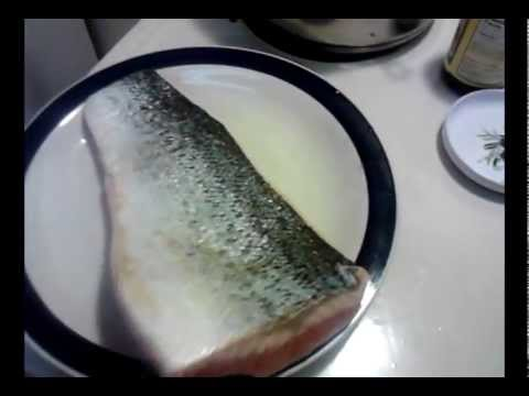 Skinning any Fish Filet without a Knife - PoorMansGourmet