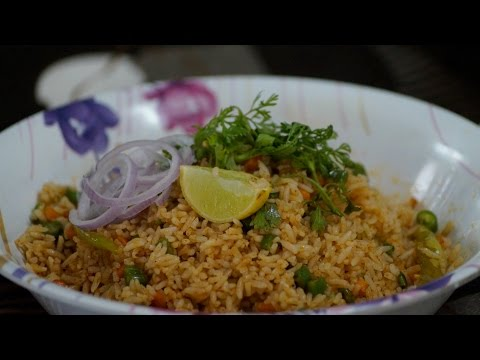 How To Make VEG Fried Rice - Bachelors Style | Shinde's Kitchen