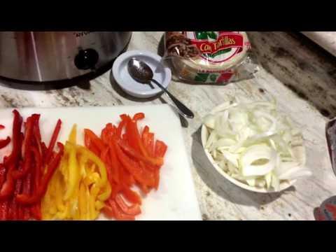 How to make fajitas in a crockpot!!!!