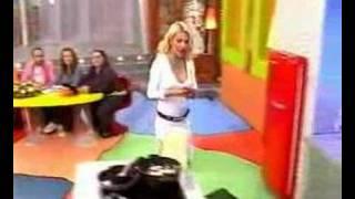 Elleni menegaki upskirt