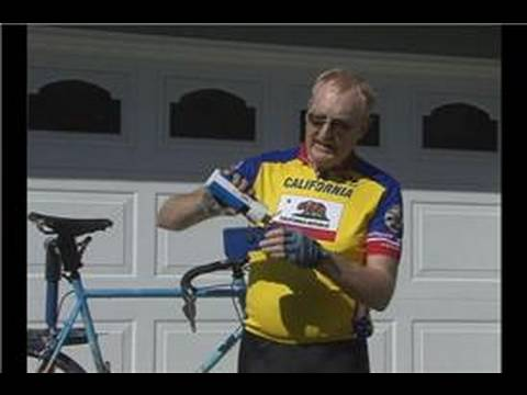 Basic Road Bicycle Maintenance : Cleaning a Bicycle Chain