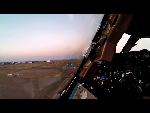 Landing Nairobi - Boeing 747-400 Cockpit Timelapse