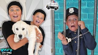 🚓 KID COP VS ROBBERS STEAL A PUPPY! Pretend Play Cops and Robbers Game for Kids!
