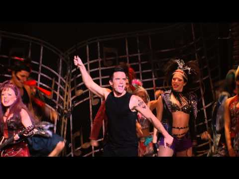 WWRY Cast Performing