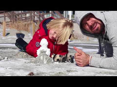 SNOW DAY ON THE BEACH?! | Gym Gypsy VLOG: 8