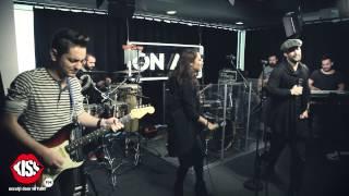 Download Smiley & Andra - În noapte mă trezesc (Live la Kiss FM)