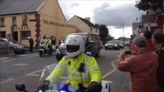 Download Joe Biden's motorcade coming through Foxford Video