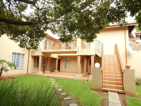 1 Bedroom Townhouse For Sale in Boskruin, Randburg, Gauteng, South Africa for ZAR 499,000