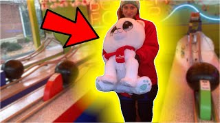 HOW TO WIN THE LARGEST PRIZE ON THE HARDEST CARNIVAL GAME!! (EASY WIN!!)   ClawBoss