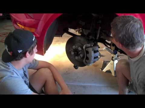 How to Change the Lower Control Arms on a 2005 Mustang GT