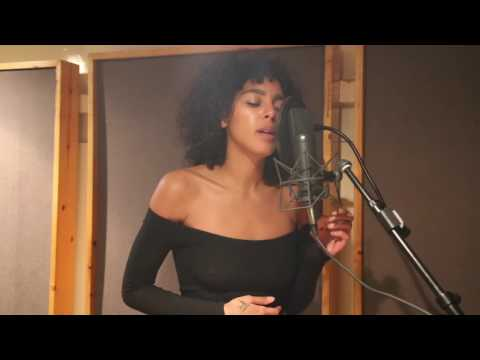 Arlissa - Hearts Ain't Gonna Lie (acoustic)
