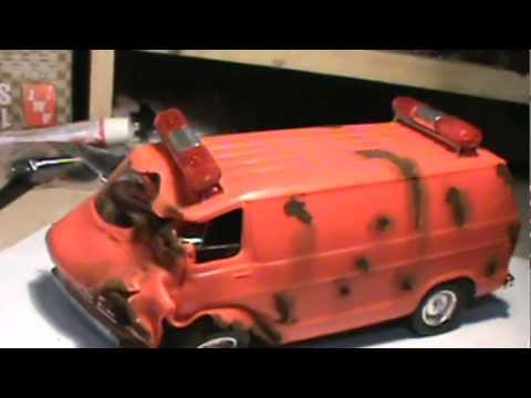OLD RUSTED DODGE VAN! FATAL WRECK! MODEL CAR