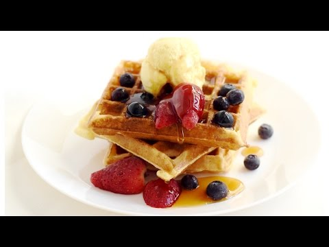 Easy Homemade Waffles Recipe/How to make waffles at home.