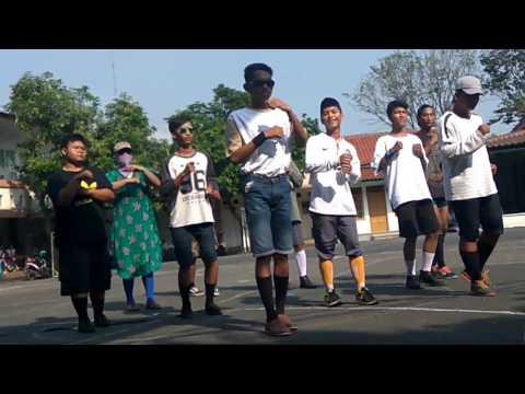 Temon Holic Ditinggal Rabi - SMA Kesatrian 1 Semarang