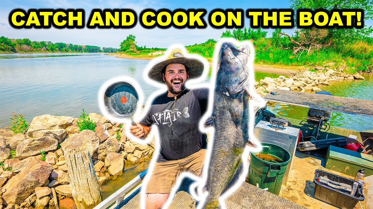 Bankline RIVER Catfishing CATCH CLEAN COOK on the BOAT!!!
