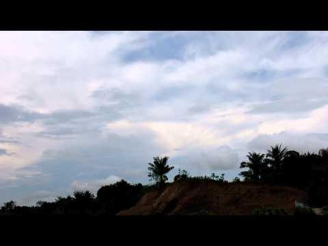 Garuda Boeing 737 Landing di Samarinda