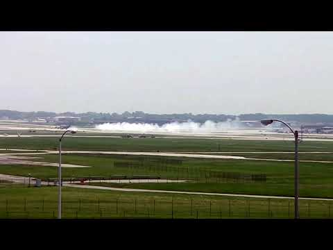 All flights temporarily delayed at MKE airport after military plane makes emergency landing