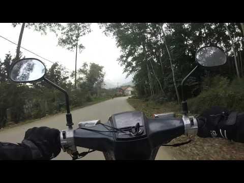 Drive motorbike in Vietnam 11