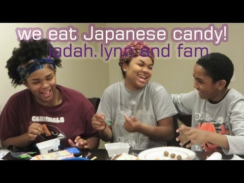 WE EAT JAPANESE CANDY | Family Cameo!