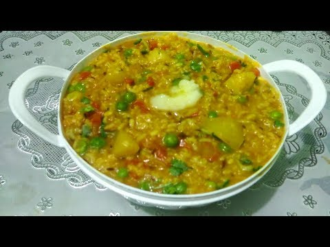 Vegetable Khichdi/Chilka Moong Dal Khichdi/Khichdi in Pressure Cooker Recipe in Punjabi Cooking