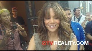 Halle Berry so nice with fans, hugging Radioman