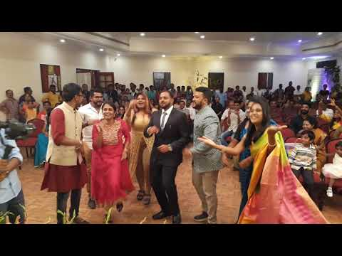 Indian Wedding - Surprise flash mob by friends!!