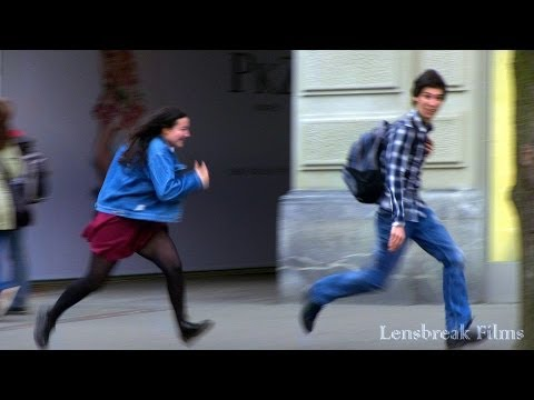 Prank! Making girls chase you (how to pick up girls)
