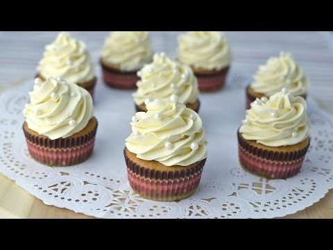Vanilla Cupcakes with Vanilla Buttercream Frosting - How to Make Homemade Cupcakes from Scratch