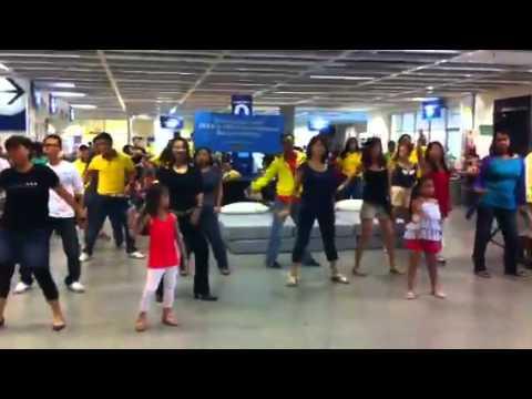IKEA SINGAPORE FLASHMOB IN 2011- Tampines