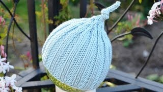 8f33f67a7e1 HOW TO KNIT A CLASSIC BOBBLE HAT WITH LACE INCREASES TO THE CROWN ...