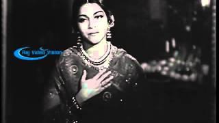 Mangamma Sabatham 1943 --   Sirithum Kavalai Padaathae