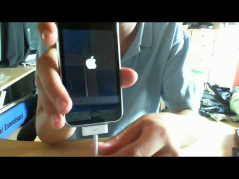 Help: iPhone 3G won't boot - won't turn on without external power.