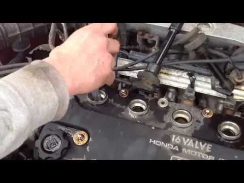 How to Gap and Install Spark Plugs on a Honda Civic