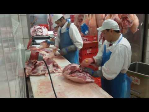 Deboning pork ham leg