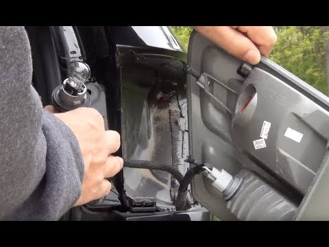 Jeep Grand Cherokee tail light bulb replacement   2011 and up