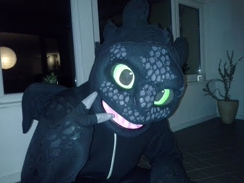 How To Train Your Dragon 2 - Toothless Suit!