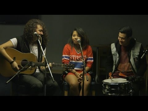 Hillsong Young And Free - Alive acoustic - Relevant