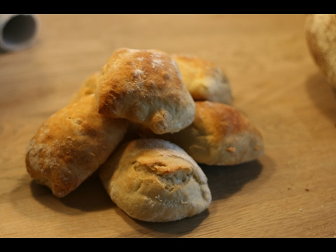 How to make easy and tasty overnight breakfast rolls